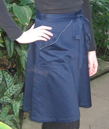 Navy blue Miette side