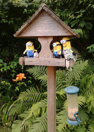 Crochet minions bird watching