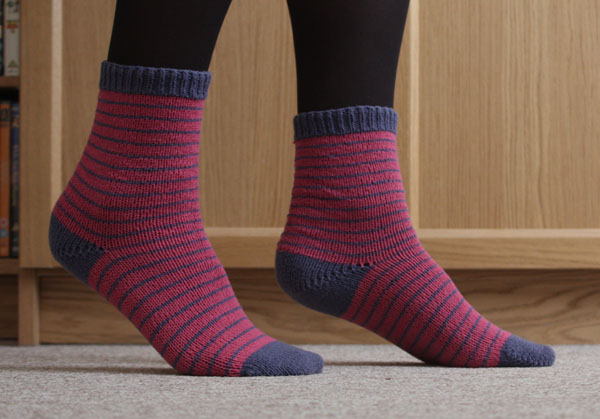 striped knitted cuff down socks