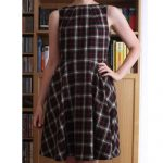 Plaid neck pleat dress
