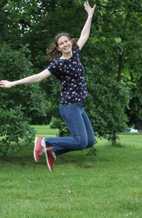 Sewaholic Belcarra blouse jumping