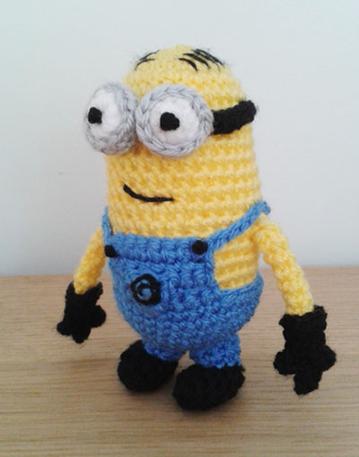 Crochet minion Bob side view