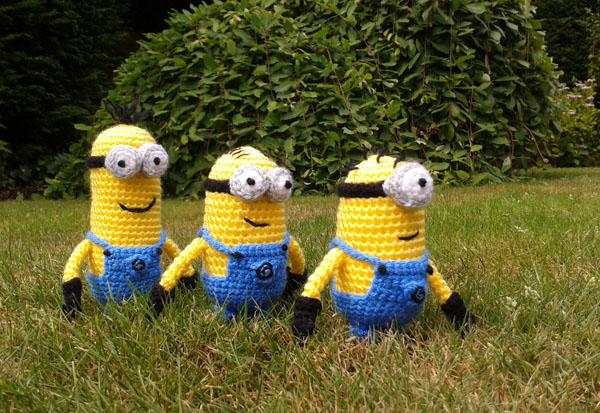 Crochet minions walking