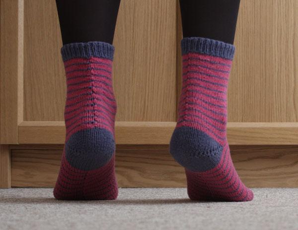 striped knitted cuff down socks